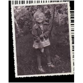 Gianina Corondan în copilărie